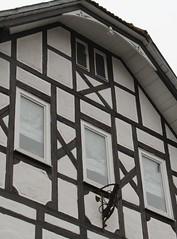 (:Linda:) Tags: germany town thuringia gable halftimbered fachwerk flagholder hildburghausen andreaskreuz cruxdecussata standrewscross