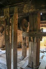 De Grafelijke Torenmolen (8) (nican45) Tags: wood holland slr mill netherlands windmill canon nederland dslr tamron shaft flourmill gelderland zeddam 18270 towermill korenmolen hwps 18270mm eos70d 18270mmf3563diiivcpzd grafelijketorenmolen