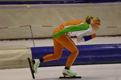 A37W2573 (rieshug 1) Tags: heerenveen schaatsen speedskating thialf knsb trainingswedstrijd merkenteams eissnelllauf