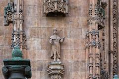 Estatua manca (Eduardo Estllez) Tags: espaa detalle arquitectura arte monumento religion catedral iglesia escultura salamanca estatua fachada cristiano historia antiguo santo portico gotico catolico manco castillayleon lugaresdeinteres eduardoestellez estellez destinosturisticos
