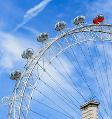IMG_4618 (Manveer Jarosz) Tags: london londoneye milleniumwheel capsule ferriswheel red wheel blue sky clouds quarter uk architecture attraction capsules circle marvel modern sights tourism travel