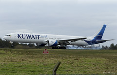 Kuwait Airways 777-300(ER) 9K-AOC (birrlad) Tags: shannon snn international airport ireland aircraft aviation airplane airplanes airline airliner airlines airways arrival arriving approach finals landing runway kuwait kuwaiti ku117 boeing b777 b773 777 777300er 777369er 9kaoc smoke tyres