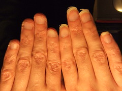 DSCF6969 (ongle86) Tags: ongles nails rongés biting pouce thumb sucé sucking doigts fingers hand mains fetishisme