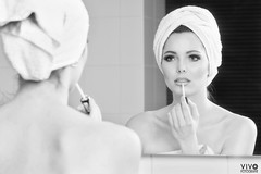 Put on some makeup (Richard Vivo) Tags: vivofotografie maryvanveen towelshoot towels mirrorphotoshoot spiegel mirror bathroomphotoshoot bathroom outoftheshower goodmorning aftertheshower handdoeken portrait