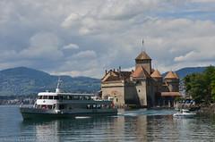 BATEAU VILLE DE GENEVE et CHATEAU DE CHILLON (CH) (TICHAT10) Tags: architecture bateaux cgn châteaudechillon châteaux lacléman lacs levilledegenève nuages suisse nwn