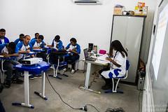 Elisângela Leite_1 (REDES DA MARÉ) Tags: americalatina brasil complexodamaré drywall favela maré novaholanda ong redesdamaré riodejaneiro aula curso jovem placas