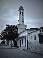 Mosquée (Ansanshi) Tags: streetphoto building mosquée islam urban city saintlouis senegal ansanshi oaf