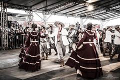 Dançar-te.... (mauroheinrich) Tags: gaucho gauchos gaúcho gaúchos gaúchas gaúcha danças dançastradicionais dançastradicionaisgauchas dança invernadas tradição tradicionalismo tradições ctg cultura costumes chaleirapreta gfchaleirapreta arte peões prendas enart riograndedosul brasil ijuí mauroheinrich