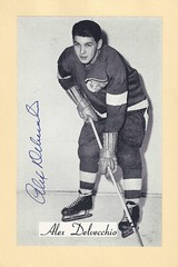 1944-63 NHL Beehive Hockey Photo / Group II - ALEX DELVECCHIO (Centre / Left Wing) (Hall of Fame 1977) - Autographed Hockey Card (Detroit Red Wings) (#160B / corrected copy) (Baseball Autographs Football Coins) Tags: hockey beehive 1934 1967 19341967 groupi groupii groupiii woodgrain torontomapleleafs bostonbruins newyorkrangers montrealcanadiens chicagoblackhawks detroitredwings montrealmaroons newyorkamericans card photos hockeycards brooklynamericans nationalhockeyleague nhl alexdelvecchio center centre leftwing hhof hof hockeyhalloffame halloffame