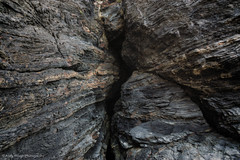 Crevice (Andy Hough Photography) Tags: rock wales unitedkingdom sony strata geology crevice llangrannog a77 sonyalpha andyhough slta77 sonyzeissdt1680 andyhoughphotography