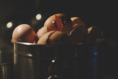 30 | 365 (Catherine Hartel Photography) Tags: breakfast eggs compost cracked browneggs