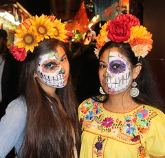 2014 Day of the Dead (Karol Franks) Tags: family dayofthedead losangeles memorial aztec ceremony diadelosmuertos procession tradition precolumbian karolfranks 2014 wwwolverastreetcom karolfranksgmailcom thisworkislicensedunderacreativecommonsattributionnoncommercialnoderivatives40internationallicense