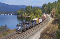 Flared in Algoma (MRL 390) Tags: railroad lake train idaho flare railroadbridge freight bnsf mrl lakependoreille freighttrain emd gp9 greatnorthern sandpointidaho bnsfrailway montanaraillink sdp40 sdp402xr manifestfreight emdsd45 mrlsdp40290 mrl127 mrlgp9 mrlsd45 bnsfmanifestfreight algomaidaho mrlsdp40 mrl351 mrlsd45351