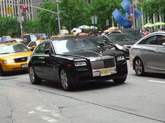 road street new york city nyc uk england urban black west english america sussex europe european state metro britain manhattan united ghost great north kingdom rollsroyce limo midtown exotic german ag bmw metropolis british rolls states avenue executive northeast import luxury limousine royce goodwood wealth affluent