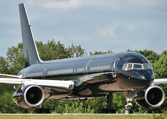 G-TCSX (AnDrEwMHoLdEn) Tags: manchester airport 757 manchesterairport egcc tagaviation 05l gtcsx