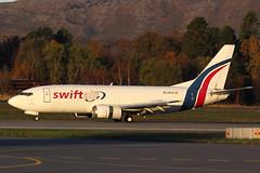 Swift Air - B733 - EC-KTZ (1) (amluhfivegolf) Tags: bergen bgo enbr amluh5g amluhfivegolf