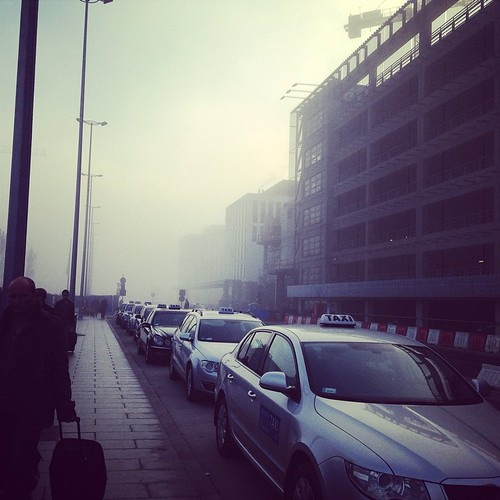 Bulletin: there is a lot of fog this morning in Krakow and national taxis are very fancy in grey