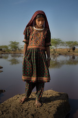 Dhaneta Jat girl tribe in great rann of kutch (anthony pappone photography) Tags: travel india colors girl lady silver colours handmade muslim earring piercing ring rings tribes asie nosering cloth ethnic indi indien nomads indi yat islamic gujarat inde ethnology azi nomadic indland noserings kutch bhuj  jat etnic greatrannofkutch indija  etnia handembroidered ethnie dhanetajat dhaneta   jattpeople jatttribe earringnose earringjatjat jattribe desertkutch kutchtribes anthropologye dhanetajattribe ahirtribe