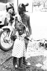 af1409_7457 (Adriana Fchter) Tags: bw rural children kid pessoas gente retrato na boa evento to criana vela primeira meninas missa fortuna setembro fazenda adultos eucaristia pium fotoadicionar