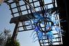Blue Sun (Mamluke) Tags: blue sculpture sun sunlight glass minnesota gardens garden botanical jardin blues arboretum tageslicht sunlit cristal shards glas blades verre vetro zonlicht lumièredusoleil luzdelsol mamluke landscapearboretum minnesotalandscapearboretum lucesolare