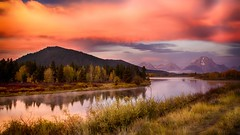 awesome morning at Oxbow Bend - explore (Marvin Bredel) Tags: morning mountains water clouds sunrise river landscape snakeriver mountmoran grandtetons tetons grandtetonnationalpark oxbowbend canoneos6d marvinbredel