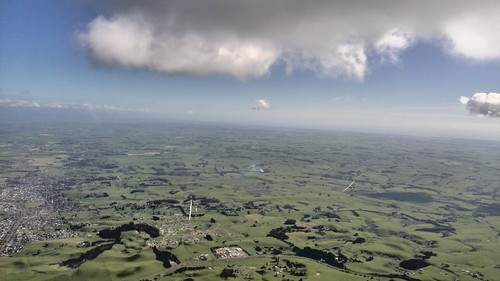 Two club gliders over Feilding - 25 Oct 14