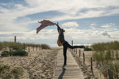Courbes (Benjchabeau) Tags: sea sun beach clouds soleil dune bordeaux sable benjamin nuages teste plage arcachon bassin pila pyla bassindarcachon capferret pilat aquitaine dunedupyla latestedebuch lasalie chabeau benjaminchabeau