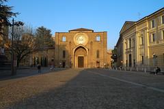 Lodi - piazza Ospitale (Alberto Cameroni) Tags: leica italia piazza lombardia lodi piazzeditalia piazzaospitale dlux4