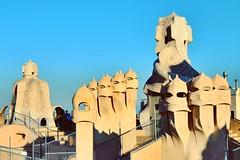 Vigías de la Pedrera, Barcelona, España. (andréscampañas.) Tags: vigía europa casamilà pedrera nikon arquitectura españa cataluña barcelona gaudí