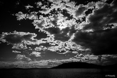 Heavy skies of love (.KiLTRo.) Tags: villarrica ixregión chile kiltro licanray calafquén water lake sky clouds sun contrast light