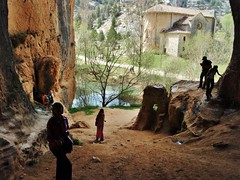 Cañon del  Rio Lobos (Eduardo OrtÍn) Tags: ermita románico cueva riolobos soria paisaje agua contraluz arbol