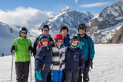 Group shot 2 (No9 (Tony)) Tags: 2017 canoneos100d courmayeur italy sigma sigma18200mmf3563dcoshsm skiholiday skiing