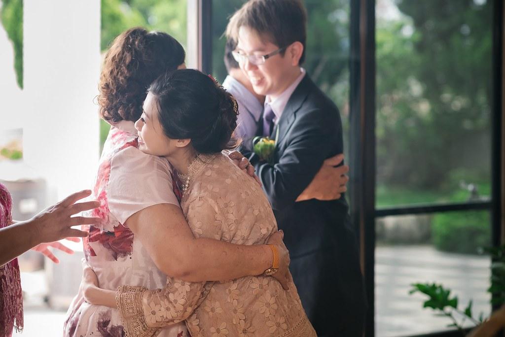 【婚攝】偉成 & 品如 / 自宅 / 台中潮港城