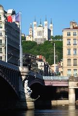 Lyon (Laetitia de Lyon) Tags: fujifilmxt10 lyon ville city rhône fourvière basilique pont bridge fleuve river