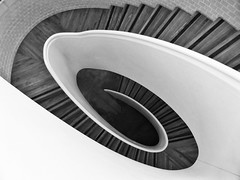 Aristarchus (Douguerreotype) Tags: uk gb britain british england london city urban bw blackandwhite mono monochrome helix spiral stairs steps staircase geometry geometric curve swirl
