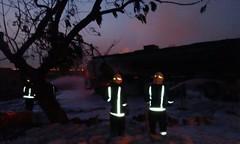 السيطرة على حريق ناقلة وقود وخزانات بمحطة محروقات في بيش (ahmkbrcom) Tags: منطقة جازان
