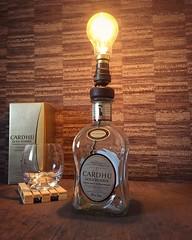 Cardhu Gold Reserve whisky bottle lamp with Edison bulb (Wattbottles) Tags: edison filament bulb steampunk style design lighting lamp bottle whisky cardhu gold reserve upcycled upcycle gift idea home bar decor