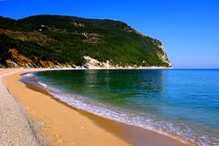 A bright sunny day in Sirolo (Daniele Torreggiani) Tags: sirolo ancona marche riviera conero spiaggia beach sea
