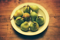 Fuji Pears (Keith Midson) Tags: pears film canon ae1program ae1 camera vintage expiredfilm fuji portra 160 160asa stilllife bowl table fruit