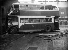 A bit of a bump in Rochdale (2/2) (Museum of Transport Greater Manchester archive) Tags: 218 rochdale crash accident corporation aec regent regentiii weymann museum transport cheetham manchester wwwgmtscouk gmts bus buses museumoftransport gmtscollection greatermanchestertransportsociety boylestreet cheethamhill m88uw greatermanchester heritage history gdk718