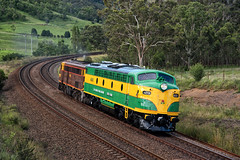 Special Delivery (SJB Rail) Tags: 42 class 4201 emd diesel trains railways railroads southern highlands green gold heritage
