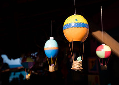 Balões (Helvio Silva) Tags: balão miniatura feira artesão artesanato pipa nordeste manual cores luz nikon brasil sombras shadows minimalism minimalismo helviosilva