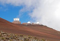 Maui (simpsongls) Tags: mountain volcano hawaii islands pacific outdoor peak maui hawaiian telescopes desolute haleikala