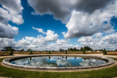 Nuages (luigig75) Tags: sky paris france water pool clouds canon reflections nuvole versailles nuages fontana francia jardins 1022 parigi nubi 70d efs1022mmf3545usm