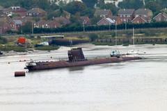 Russian Submarine, Strood. (piktaker) Tags: kent submarine blackwidow russiansubmarine rivermedway strood u475 hunterkillerclass foxtrotb29