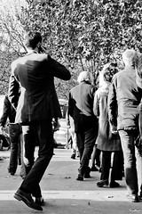L'homme en noir dans la foule, The man in black in the crowd (Barthmich) Tags: street man black paris france walking photo nikon noir photographie rue homme  lightroom    marchant    d3100