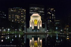 Anzac Memorial (Rikardo daVinci) Tags: city monument night sydney australia noflash handheld nightsky 2014