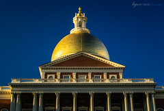 Real Gold (Ajay_Sahu) Tags: blue building boston architecture gold unitedstates copper newstatehouse statehouse bostonstatehouse massachusettsstatehouse ajaysahu unistedstatesofamrica