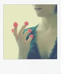 (chiara91schi) Tags: red green me girl self myself movie rouge berries eating io amelie ameliepoulain candies rosso frutta haribo dolci selfie mangiare dolciumi lefabuleuxdestindameliepoulain lamponi ilfavolosomondodiamelie