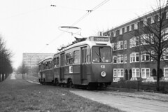 GVB 931-992 lijn 25 1973 (Olga and Peter) Tags: amsterdam nederland thenetherlands tram streetcar 1973 931 gvb 992 lijn25 f31671